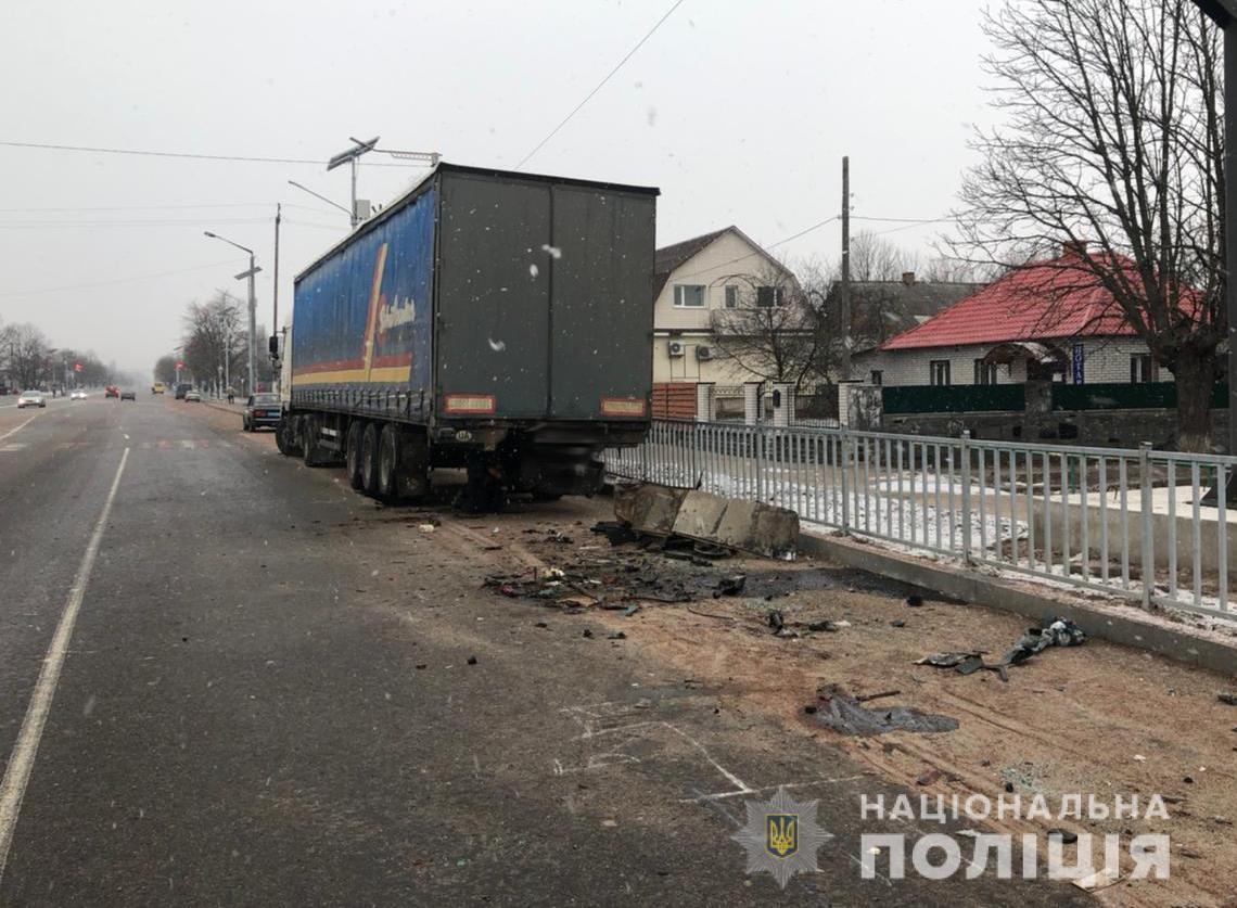 Еще одного пассажира иномарки госпитализировали в состоянии алкогольного опьянения / фото ГУНП в Житомирской области