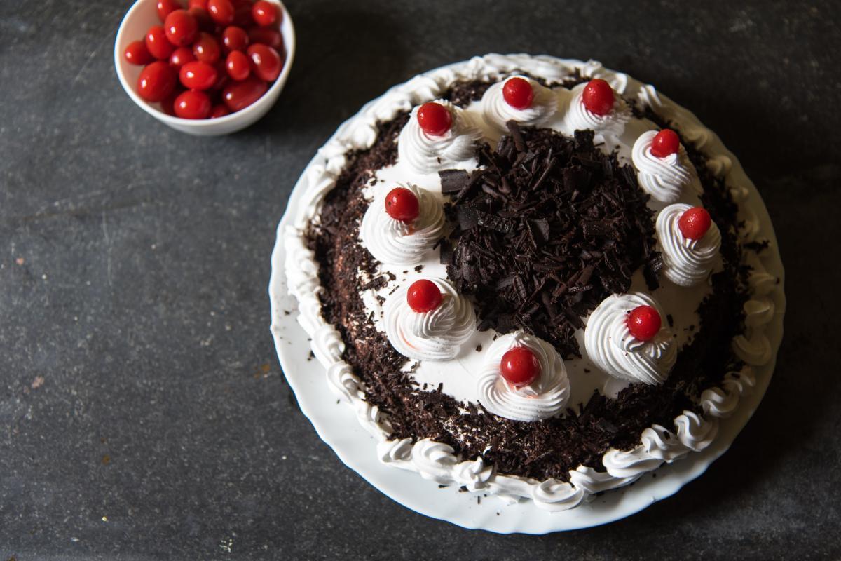Как приготовить Шварцвальдский торт с вишней / фото ua.depositphotos.com