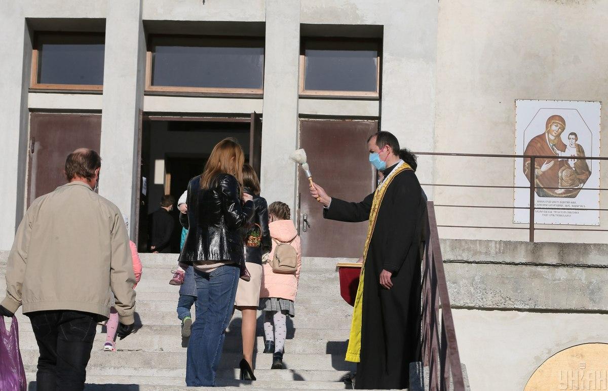 Христианская этика в школах - Шкарлет ответил, можно ли отказаться от предмета / Фото УНИАН, Евгений Кравс