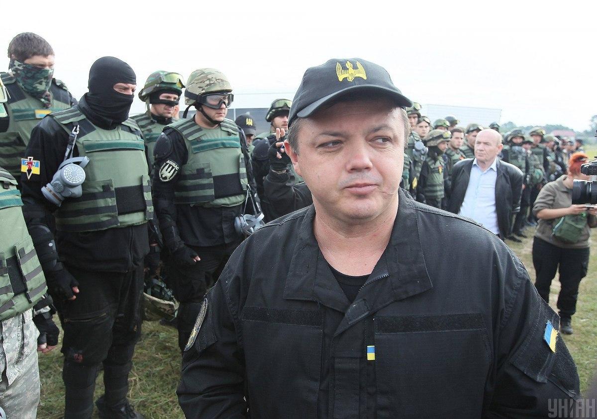 Медики привели Семенченко в чувство и через 10 минут уехали / фото - УНИАН