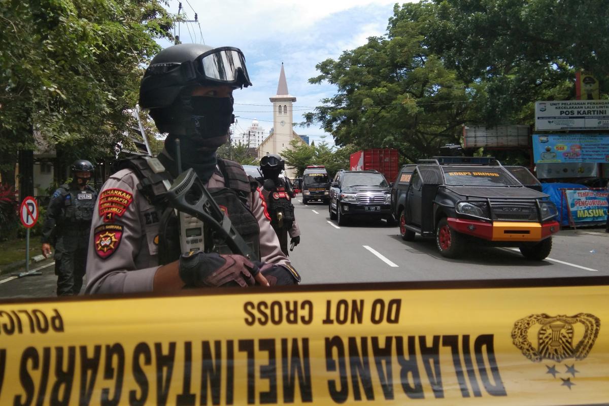 На месте взрыва полиция обнаружила оторванные части человеческого тела / фото REUTERS