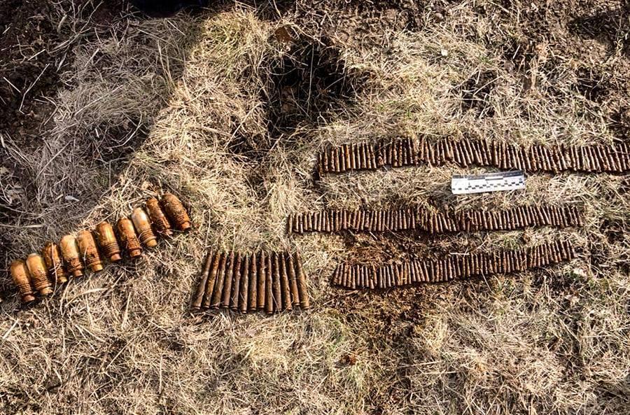 Боеприпасы передали спасателям для уничтожения / фото НГУ