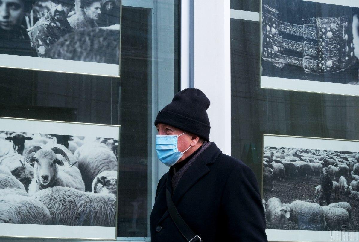 В Україні за добу виявили рекордну кількість випадків COVID-19. Від хвороби померли найбільше людей за весь час / фото УНІАН