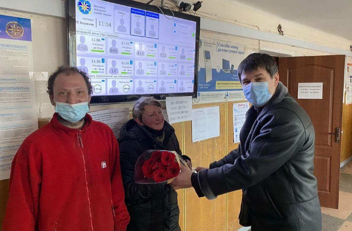 Пара бездомных решила пожениться / фото vechirniy.kyiv.ua