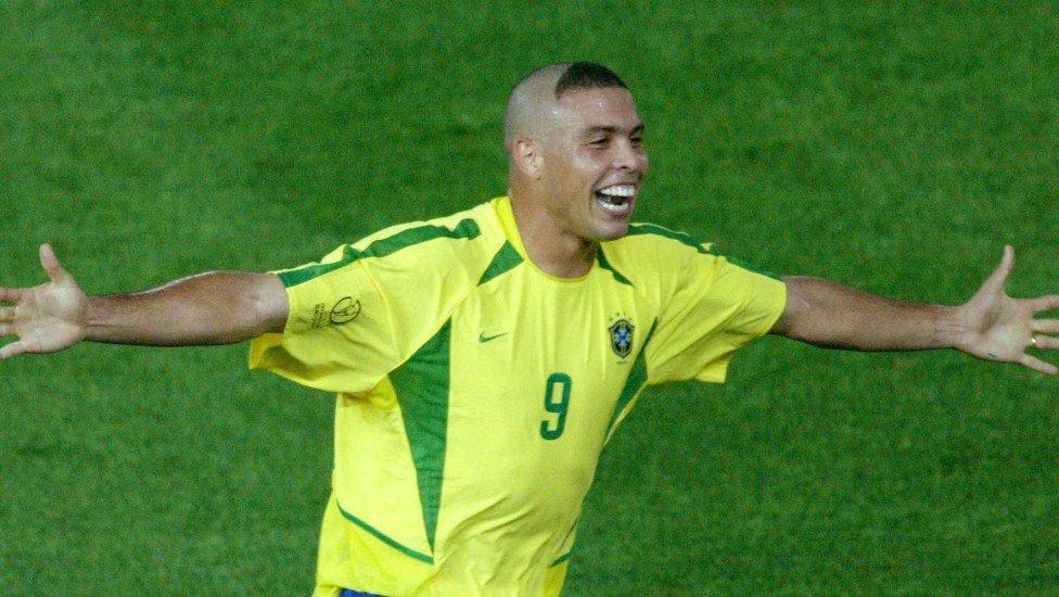 Роналдо на ЧМ-2002 / фото REUTERS