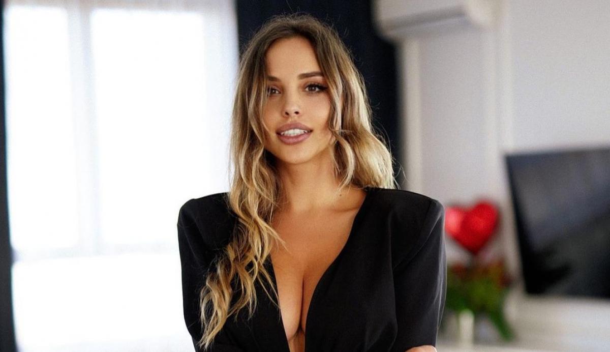 Вероника Белик — модель сверкнула своими достоинствами в