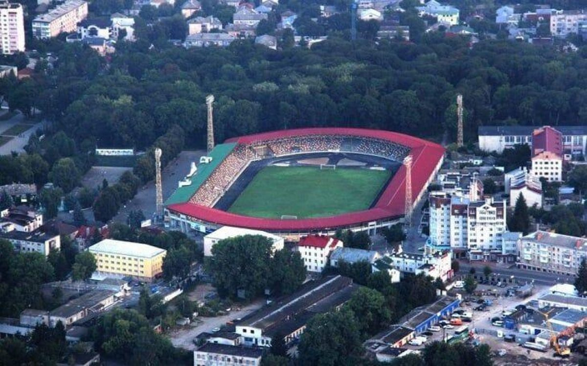 Роман Шухевич — Футбольный стадион в Тернополе переименовали в