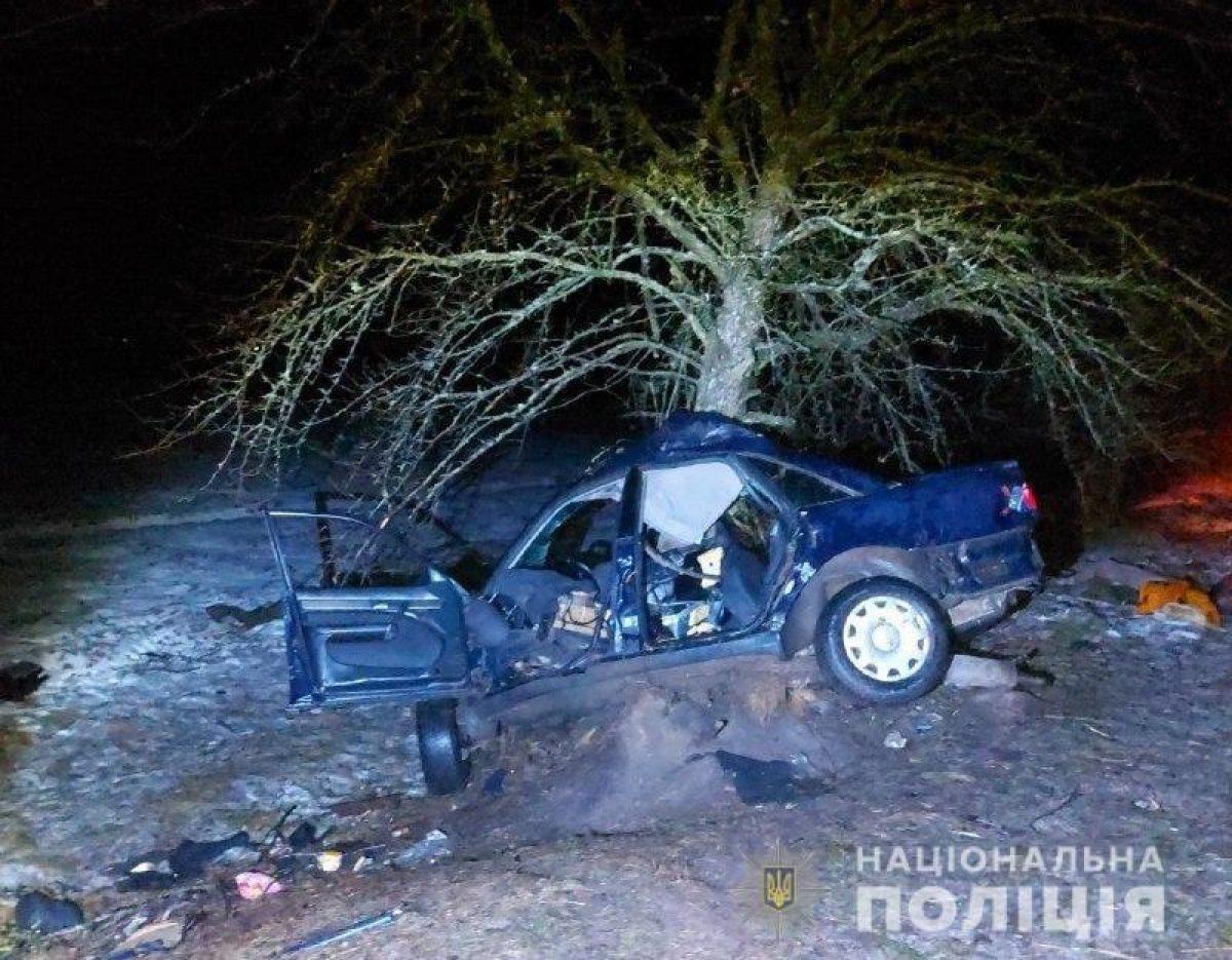 ДТП в Ривне — подростки решили покататься на авто: один погиб, трое