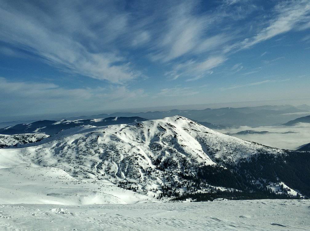 Оттепель в Карпатах может привести к сходу лавин / Фото facebook.com/chornogora.rescue112