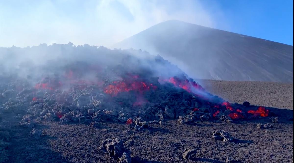 В 2008 году активизировался крупнейший вулкан Европы - Этна / фото REUTERS