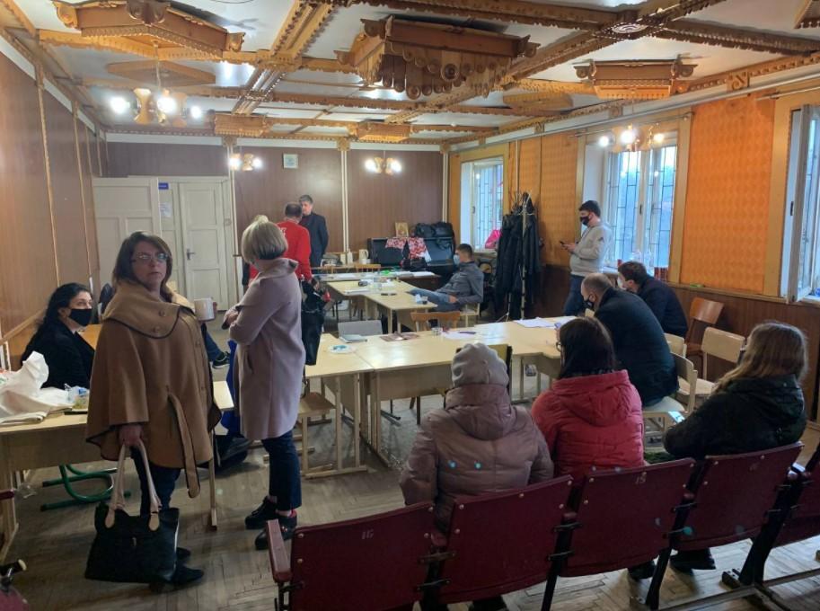 Выборы вокруге №87 / фото facebook.com/chesno