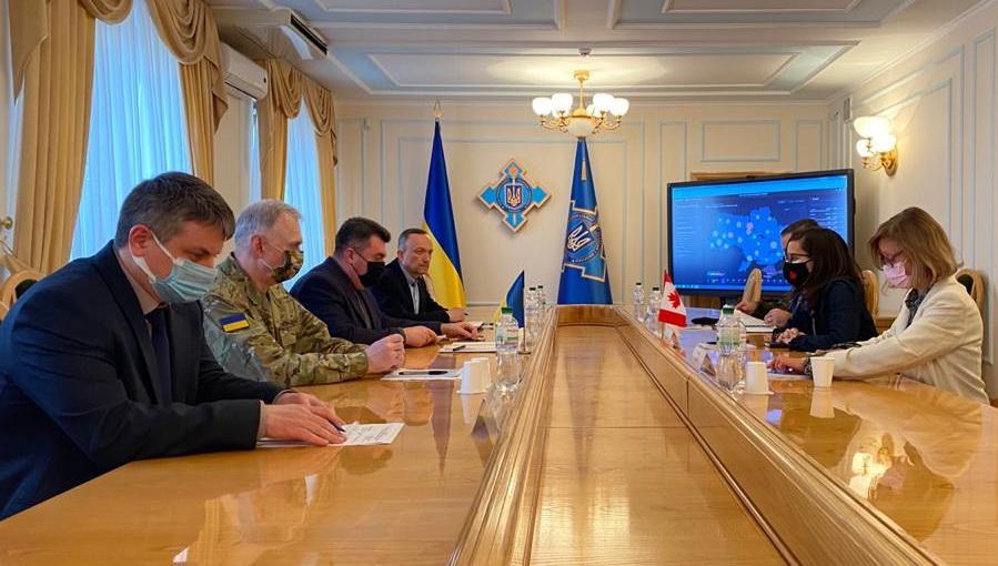 Встреча с послом Канады в Украине Ларисой Галадзой/ фото rnbo.gov.ua