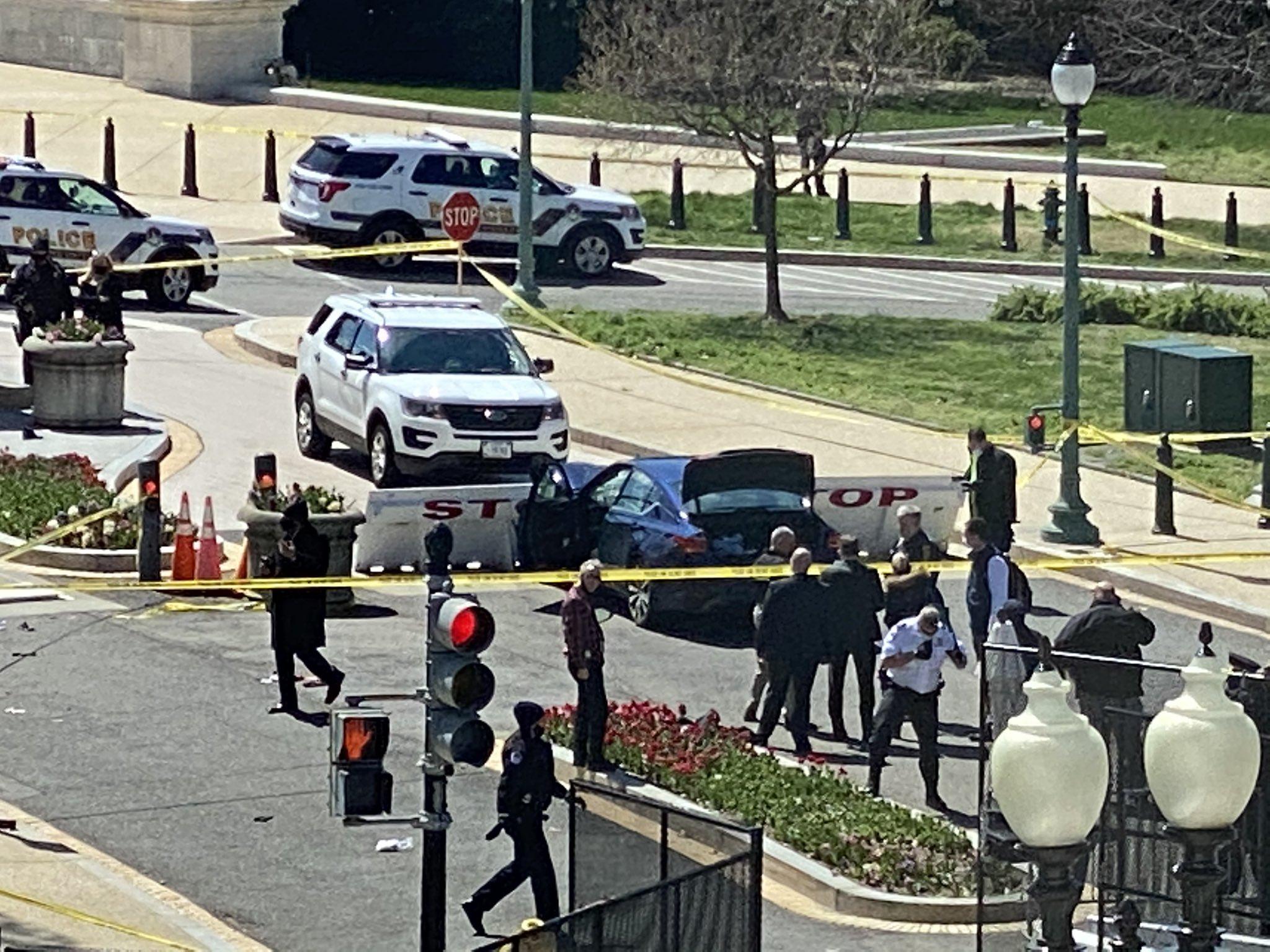 Нападение у Капитолия США - умер один из полицейских / фото twitter.com/JacquiHeinrich