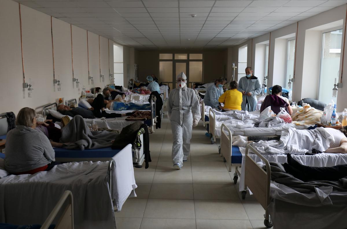 По данным Полоскова,загруженность коек, обеспеченных кислородом, составляет 44,4%/ фото REUTERS
