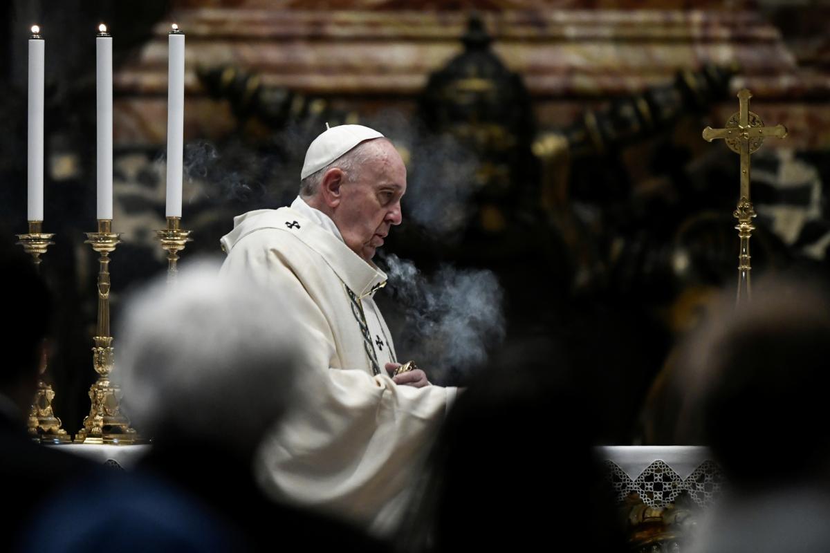 Папа Римский перенес операцию на кишечнике / фото REUTERS