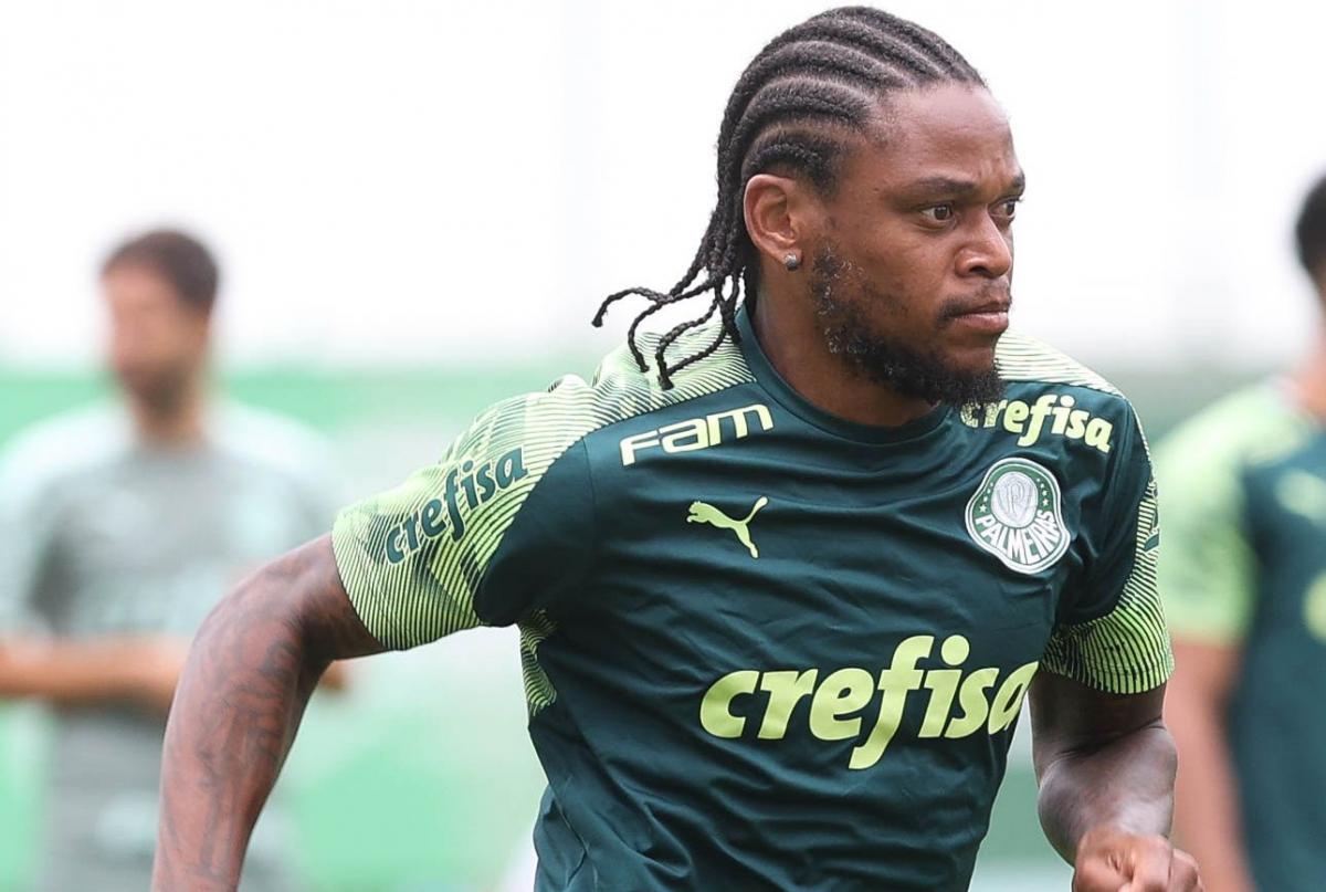 Луис Адриано выступает за Палмейрас с 2019 года / фото twitter.com/Palmeiras