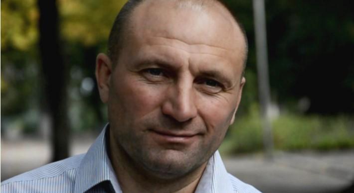 Бондаренко предложил активисту выяснить отношения по-мужски / фото chmr.gov.ua