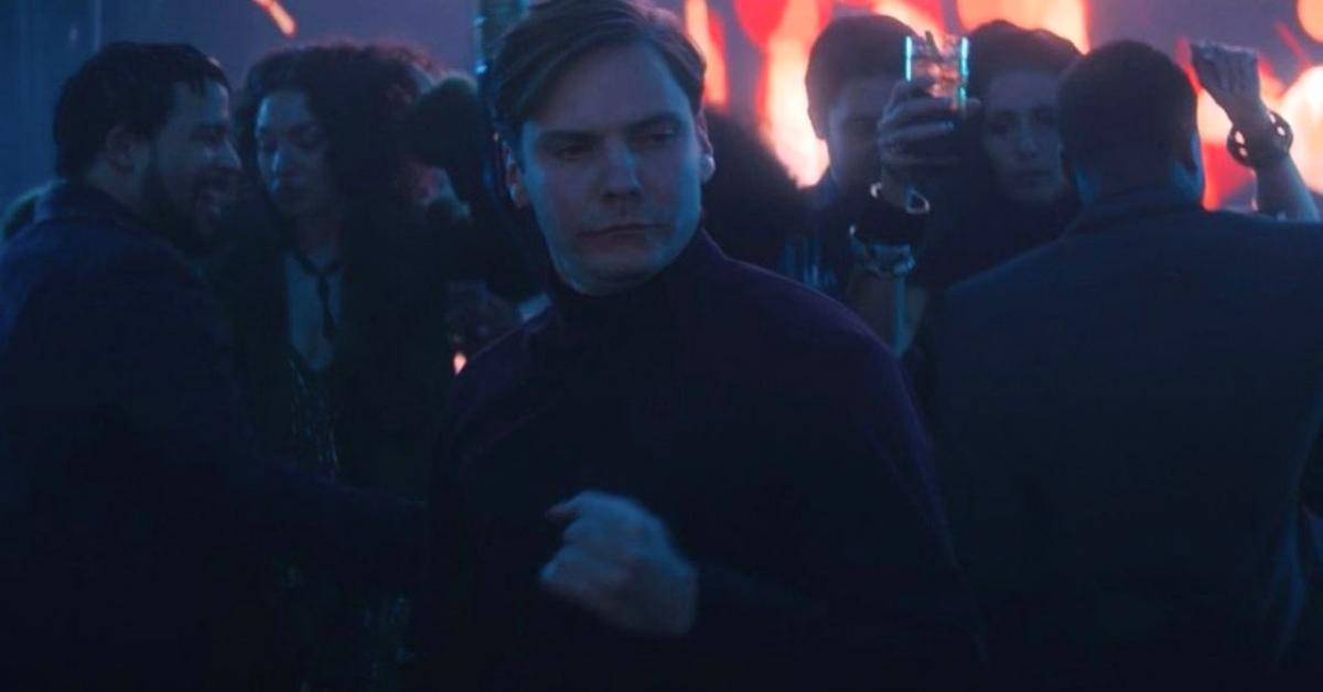 Танец барона Земо уже стал вирусным / кадр из сериала «Сокол и Зимний солдат»