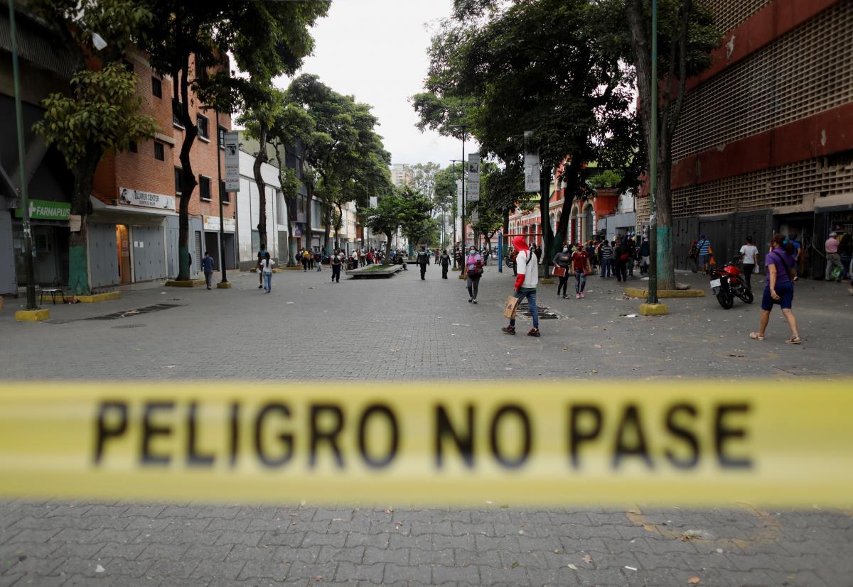 У Венесуелі обіцяють штрафувати порушників карантину на 9 доларів / фото REUTERS