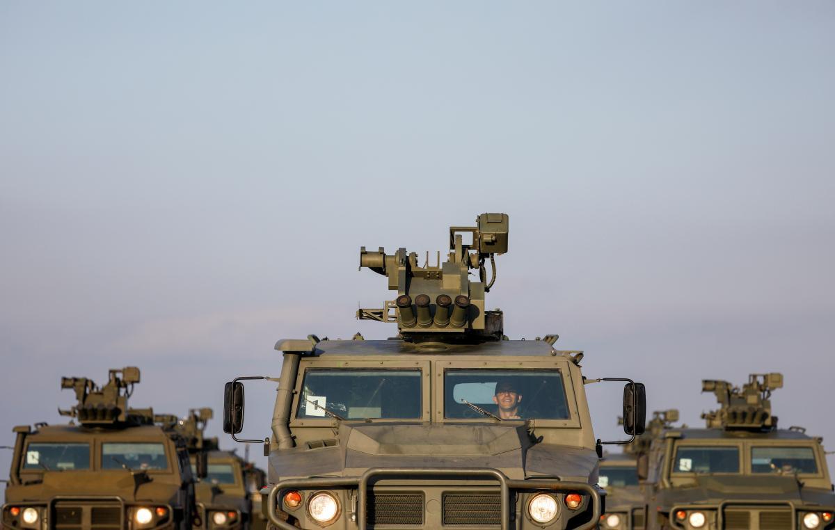 Посол виступив за негайний вступ України до НАТО або відновлення ядерного статусу/ На фото – російська техніка, REUTERS