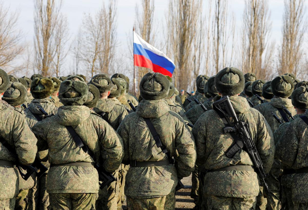 Росія стягує свої війська до українських кордонів / фото REUTERS