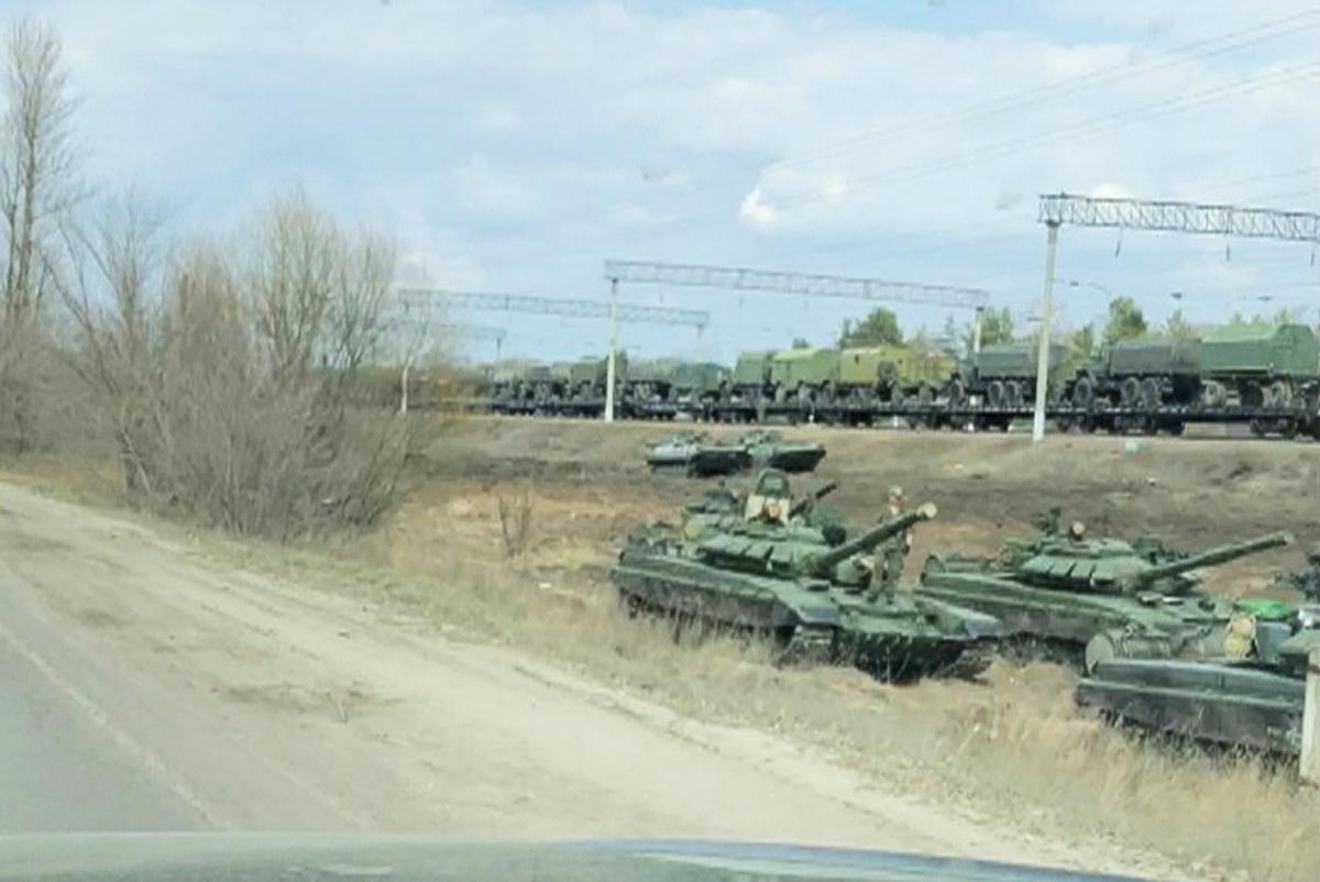 В начале марта Россия сосредоточила войска вдоль границы Украины / фото REUTERS