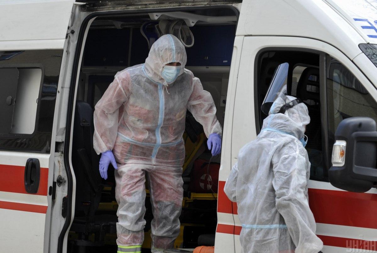 Вчера с коронавирусной болезнью были госпитализированы 508 человек / фото УНИАН