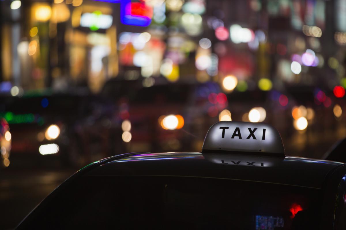 До нас везуть авто, які працювали в таксі чи в кур'єрських службах / фото ua.depositphotos.com