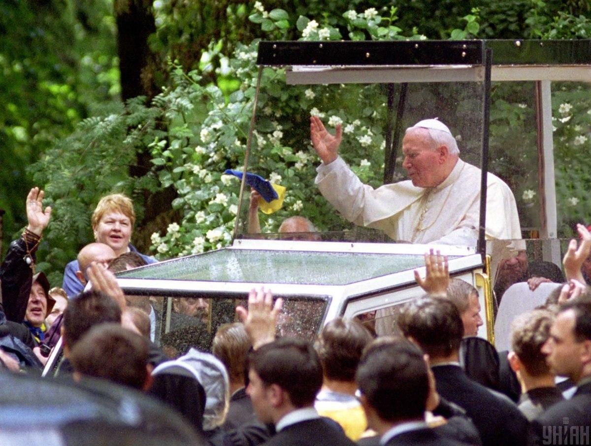 Іоан Павло - перший Папа, який ступив на Київську землю / фото УНІАН, Олександр Синиця