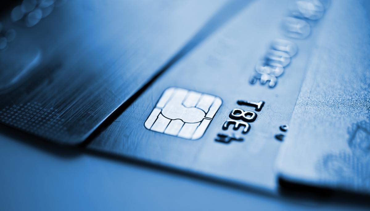 Пенсии с сентября будут платить на банковские карты / фото ua.depositphotos.com
