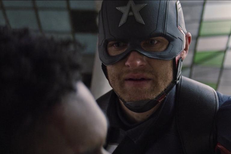 Джон Уокер все же принял сыворотку суперсолдата / кадр из сериала «Сокол и Зимний солдат»