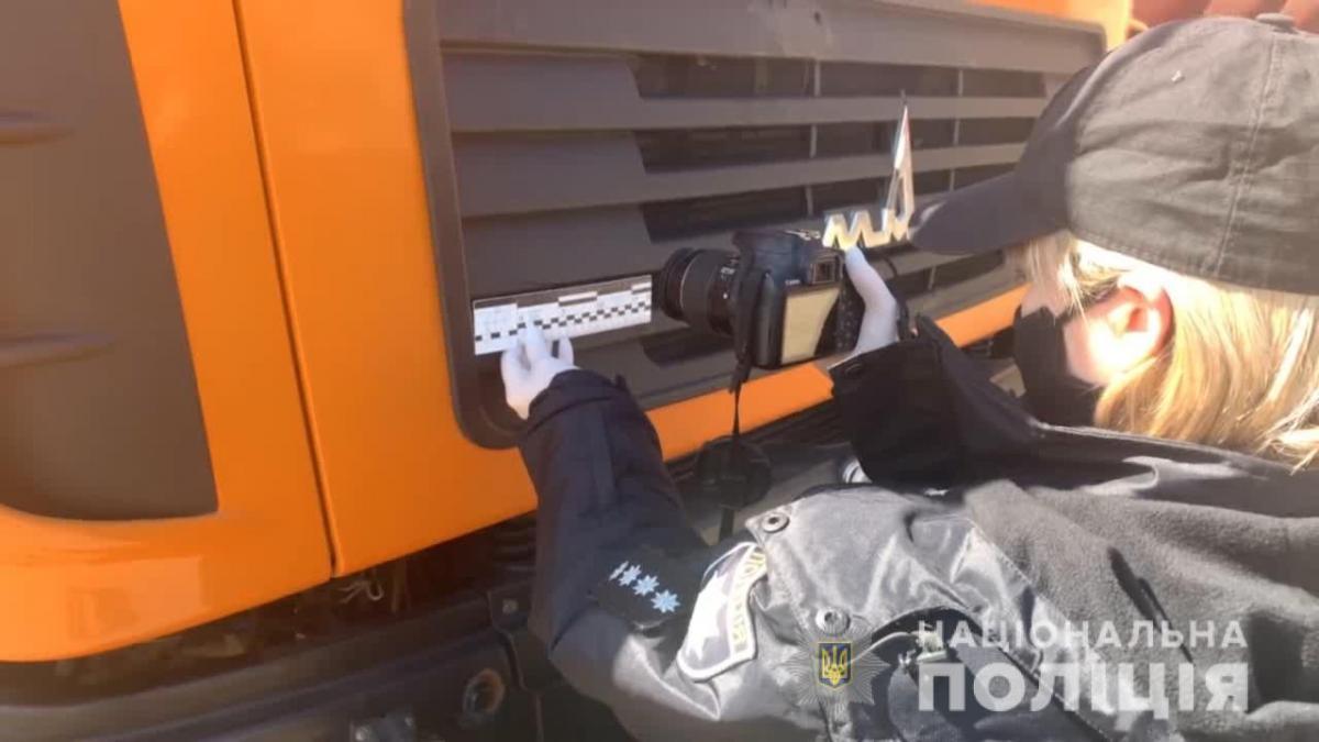 Машина, на которой сбили человека под Одессой,принадлежит одному из коммунальных предприятий / фото Национальнойполиции