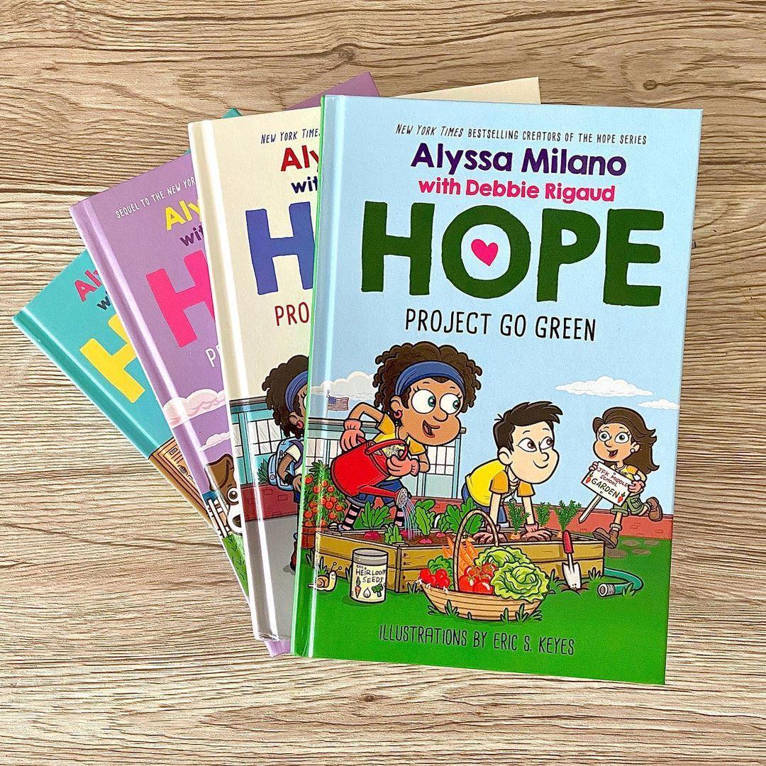 Актриса написала книгу / instagram.com/milano_alyssa