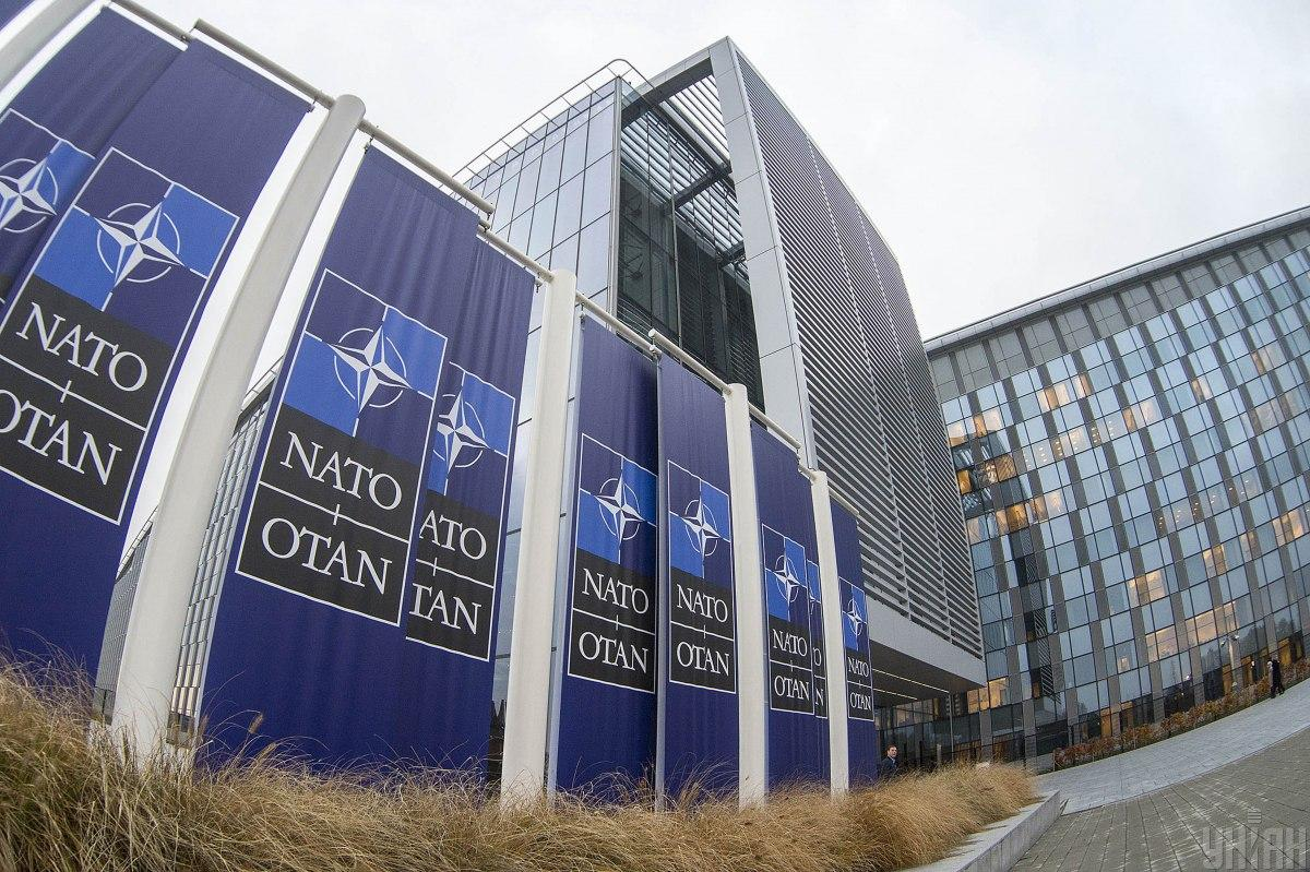 Лидерам НАТО пора начать консультации, чтобы проложить путь к членству Украины / фото УНИАН, Андрей Крымский