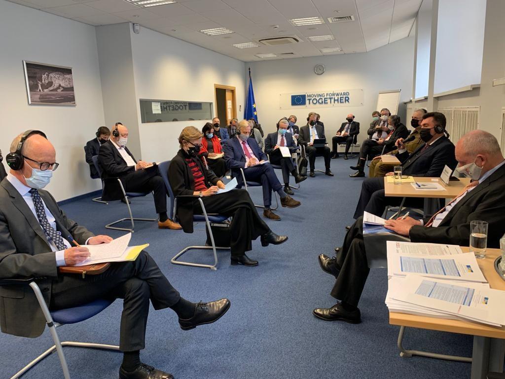 Данілов зустрівся з керівниками дипломатичних представництв країн ЄС / фото facebook.com/rnbou