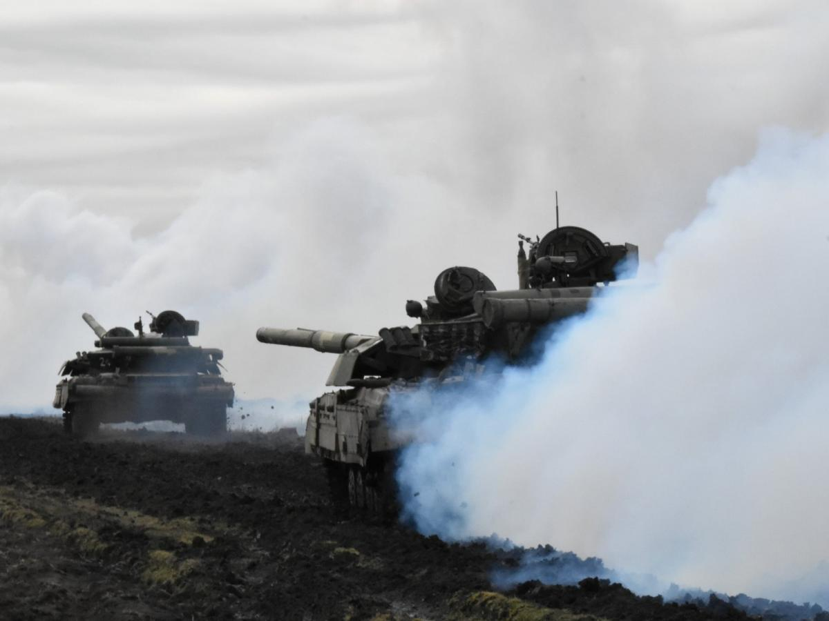 Участие в учениях принимают около 2 тысяч военнослужащих из пяти стран / REUTERS