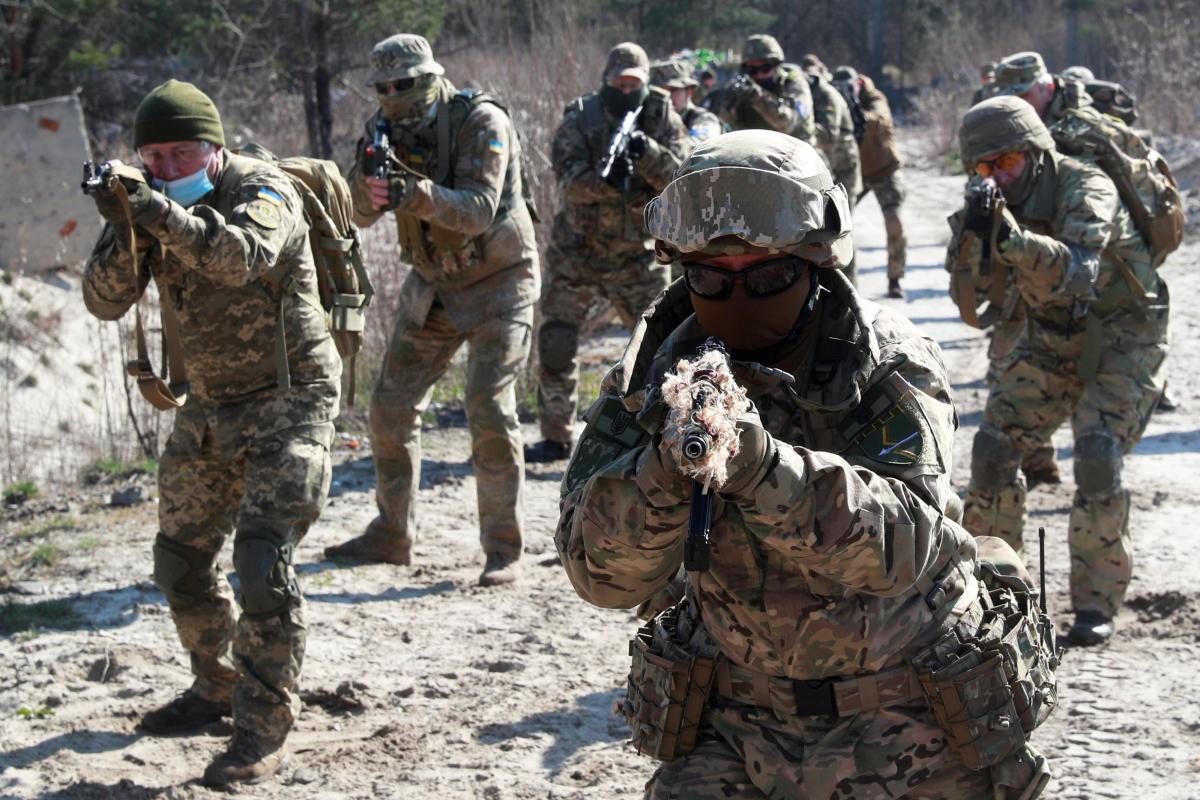 Американськіінструкториздійснюють підготовкуукраїнських військових/ фото REUTERS