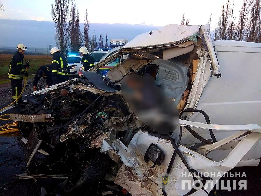 Один водитель погиб, другой – госпитализирован / фото Нацполиции