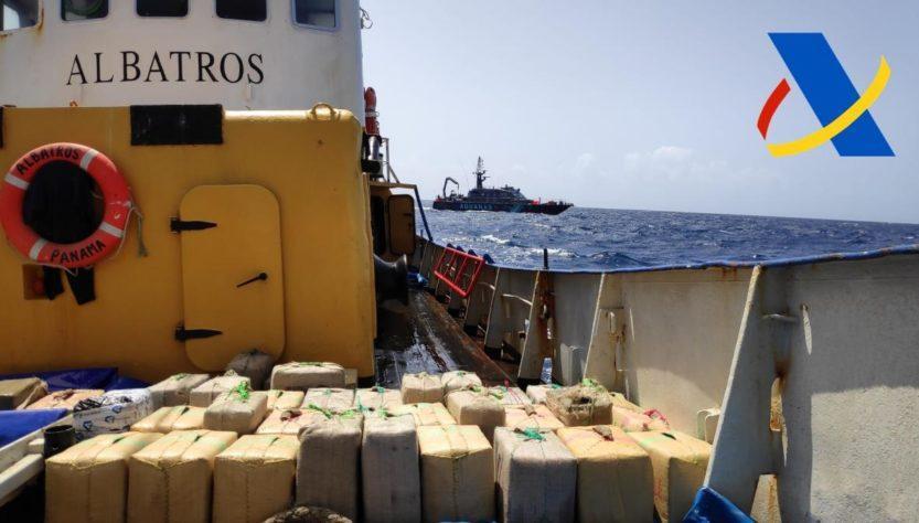 На борту обнаружили 18 тонн гашиша / фото facebook.com/MTWTU
