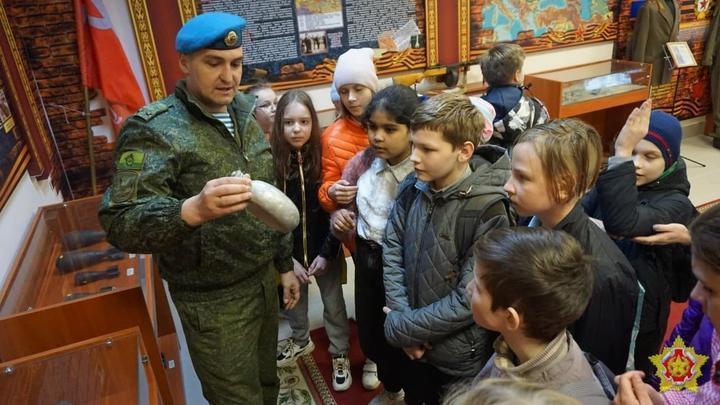 11 річний білорус плюнув на меморіал радянським солдатам і зіткнувся з наслідками / TUT.by