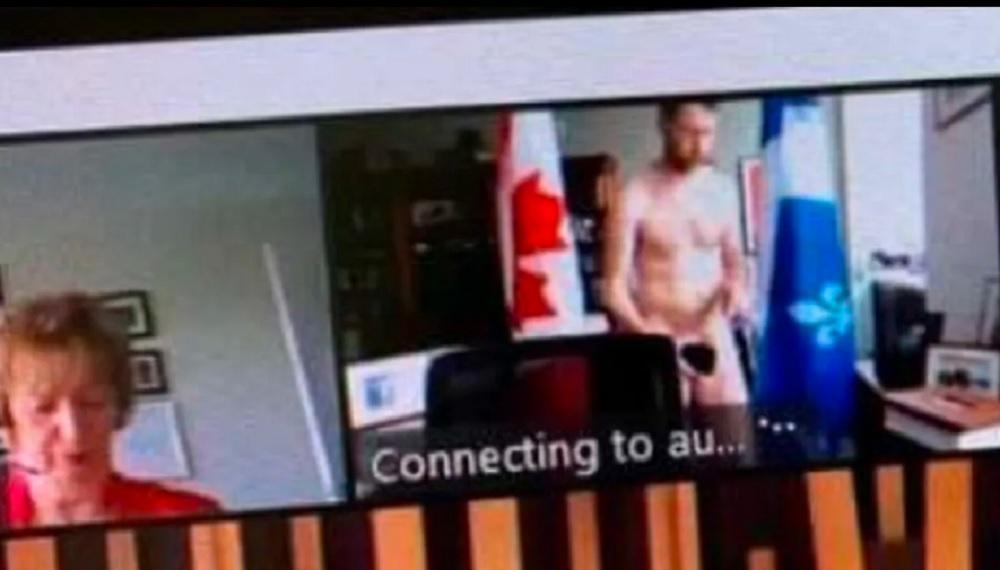 Вільям Амос - канадський політик випадково оголився перед колегами у Zoom / Twitter/The Canadian Press