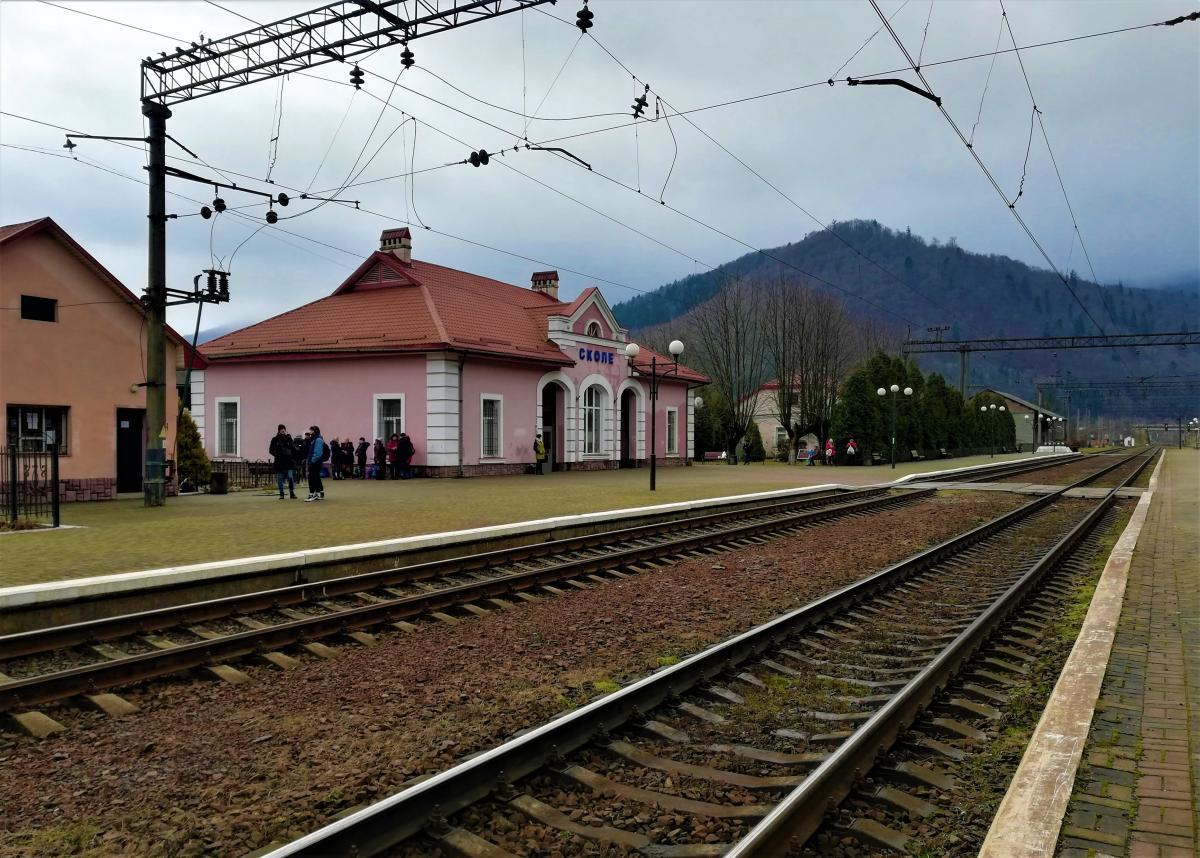 Через Сколе проходять кілька поїздів і електричок / фото Марина Григоренко