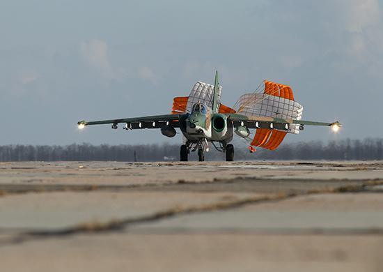 Эскалация РФ - Россия перебросила в оккупированный Крым штурмовики Су-25СМ3 / function.mil.ru