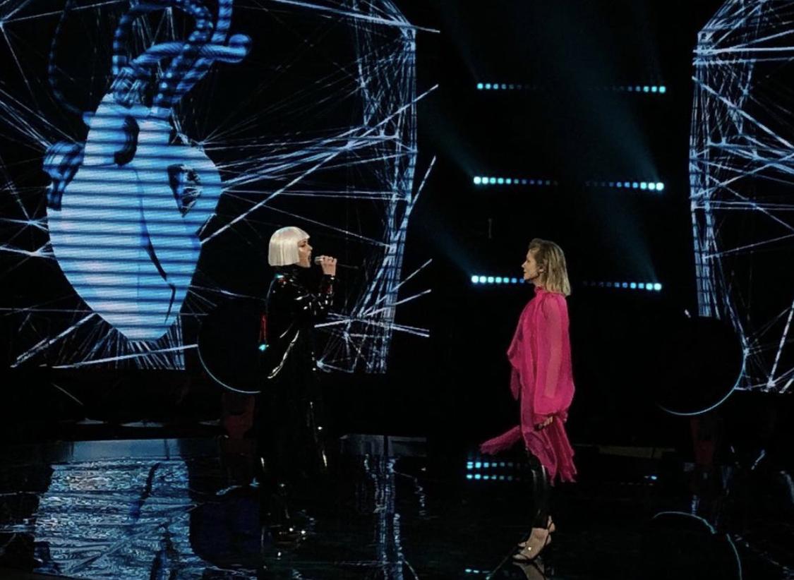 KOLA поразила драйвовым выступлением с Hardkiss / фото instagram.com/goloskrainy_official