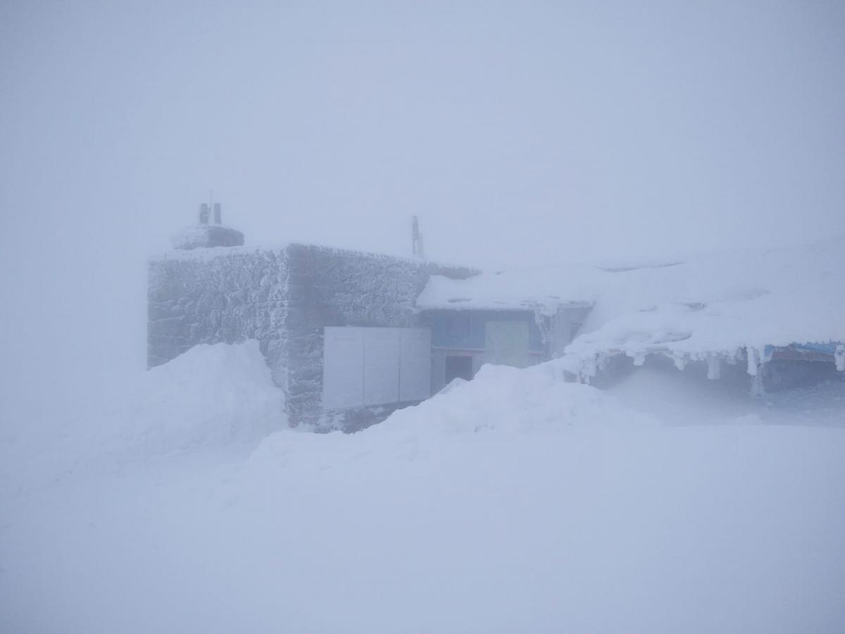 У горах все ще сніжить / Фото facebook.com/chornogora.rescue112