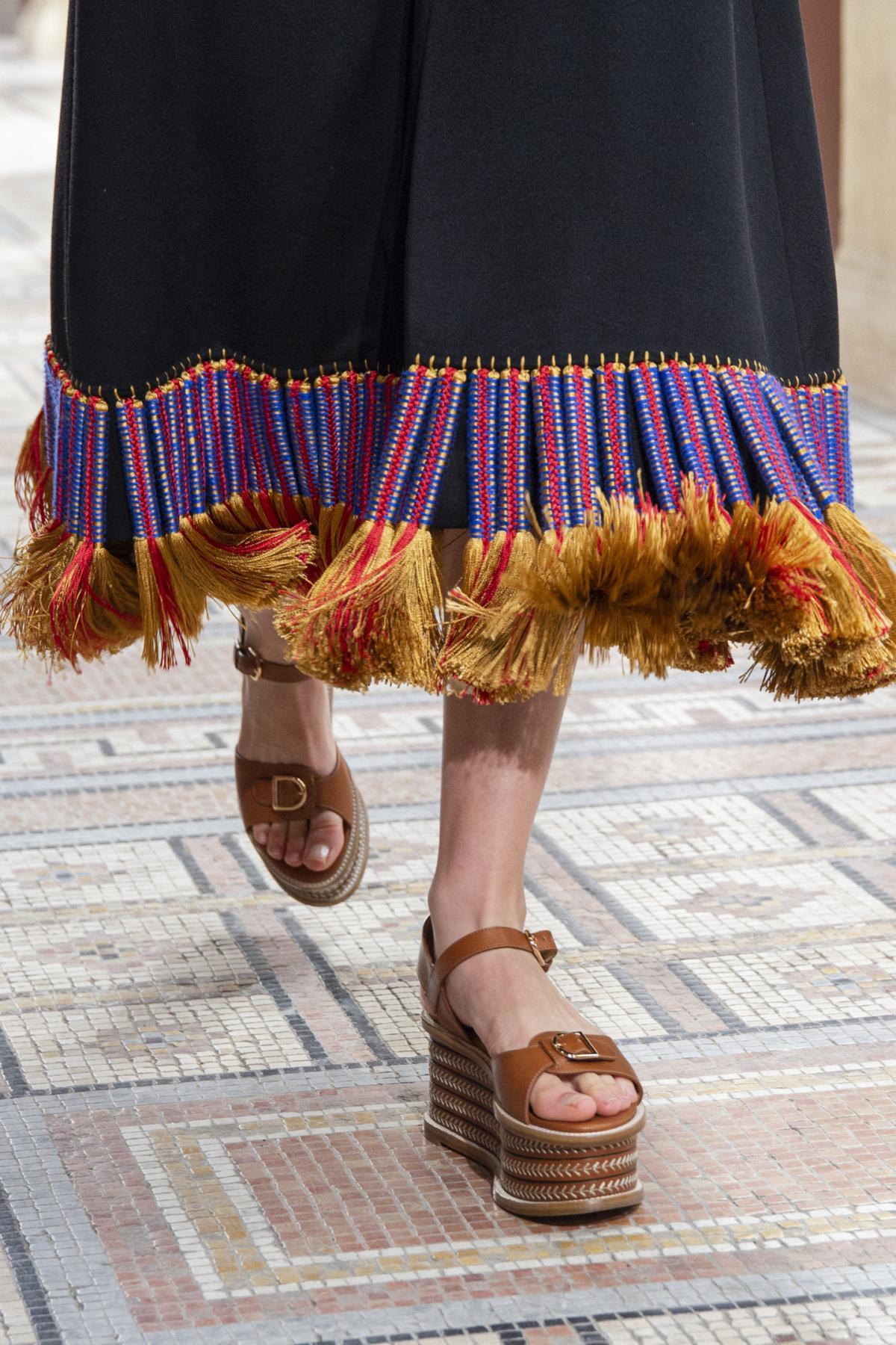 Модные босоножки 2021 / фото Gabriela Hearst