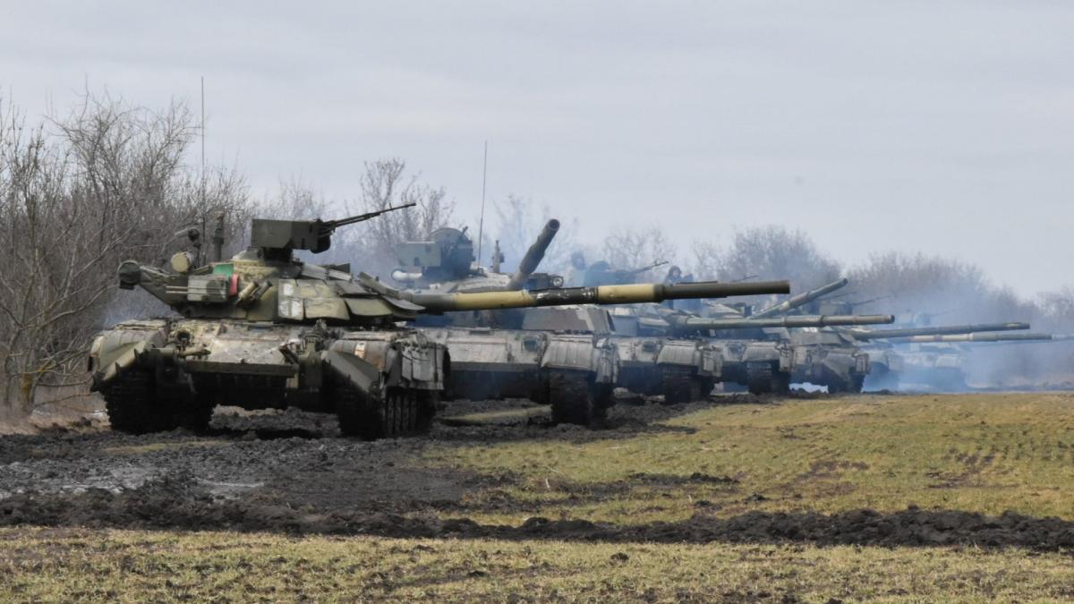 Україна готова захищати свої кордони від можливого вторгнення РФ / фото REUTERS