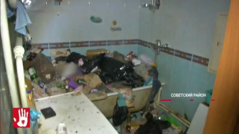 Cоседи неоднократно жаловались на сильный запах из квартиры / скриншот из видео