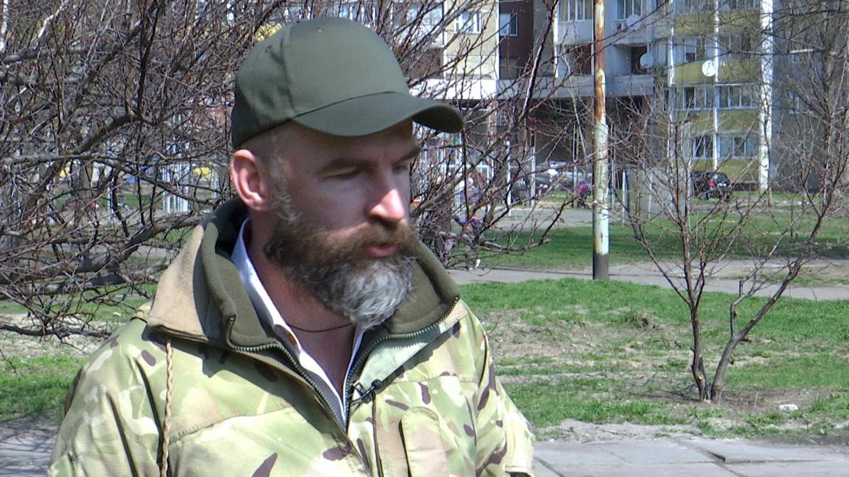 Юрист Олег Веремієнко розповідає, як родичів полонених тероризують «посередники» і пропонують за гроші посприяти звільненню заручників