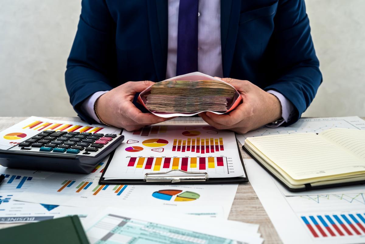 По данным Министерства финансов, Украина в 2021 году должна выплатить по госдолгу 585,13 млрд грн / фото - ua.depositphotos.com